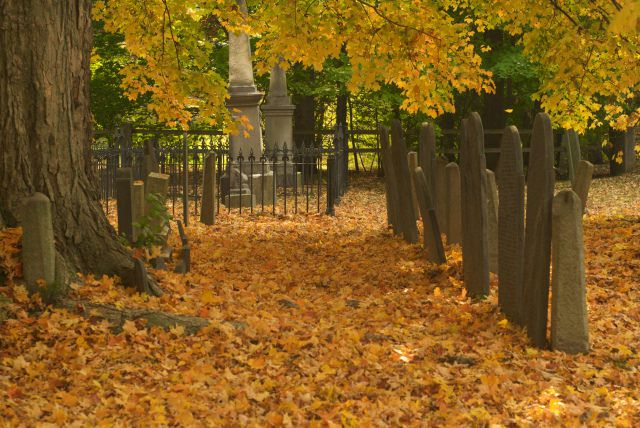 graveyards are among the most haunted places in CT