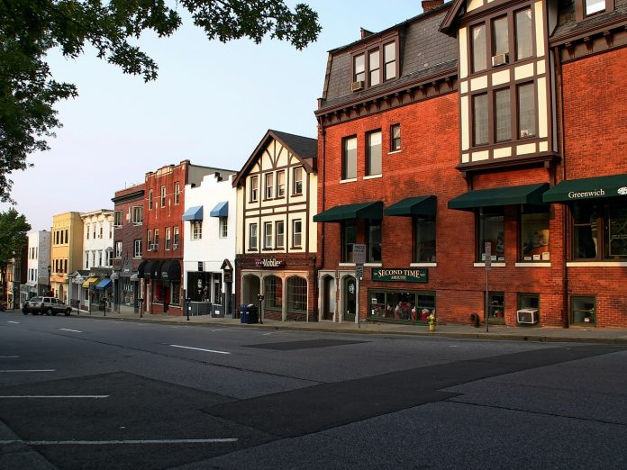 stores at the top of Greenwich Avenue in the downtown Greenwich, CT, shopping district