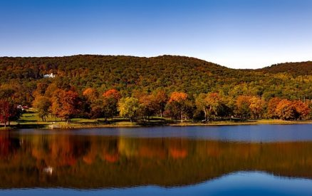 Squantz Pond in Danbury, CT, along one of the most scenic connecticut fall foliage driving routes